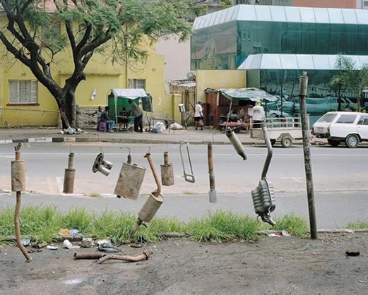 David Goldblatt, Exhaust pipe service, Esselen Street, Johannesburg (2002).